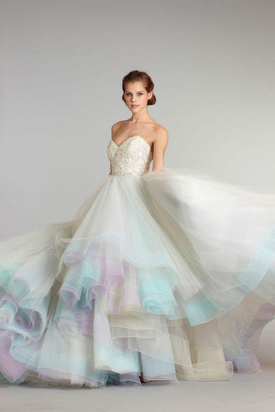 Vestidos de novia tonos pastel