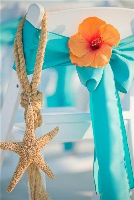 sillas para boda en la playa