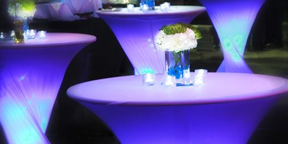 Cómo iluminar las mesas para una boda