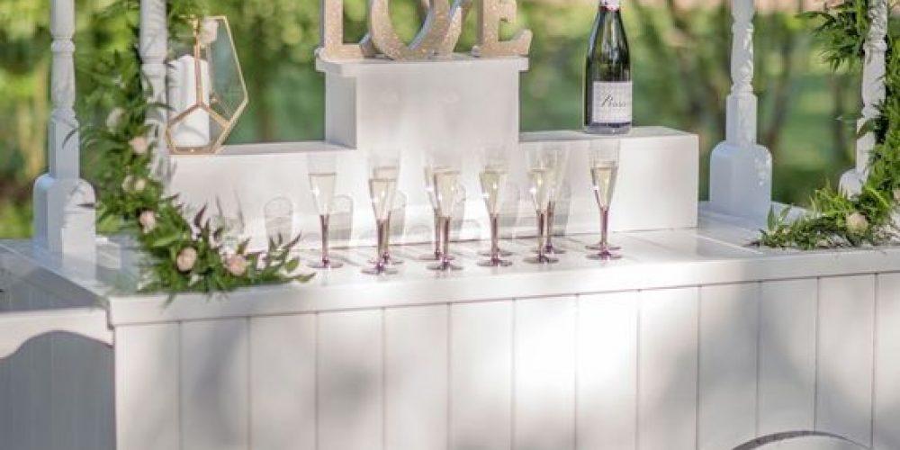 Carritos de bebidas para el coctel de tu boda