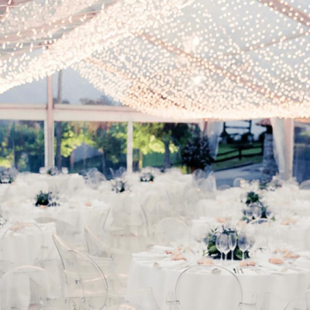 Crea una iluminación romántica para tu boda