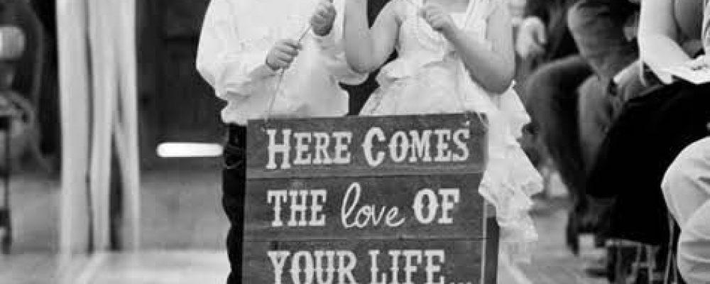 15 Frases para anunciar la llegada de la novia